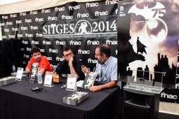 Festval Internacional de Cinema Fantàstic de Sitges 2014 (II) 10/10/2014 L'editor de DC, Gustavo Martínez, el director del Festival de Sitges, Àngel Sala, i el professor associat de la UB Jordi Ojeda a l'Espai FNAC presentant un còmic dels 75 anys de Batman.
