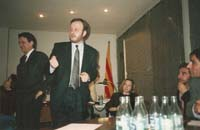 Aquella primera ERC independentista Nit electoral de 1992 al despatx de Colom, valorant l'arribada dels resultats que farien pujar el partit fins als 12 escons.