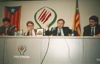 Aquella primera ERC independentista Conferència d'Àngel Colom a Vic, en companyia de Josep M. Freixanet, el diputat elegit el 1992 Salvador Morera, i el també diputat Xavier Bosch.