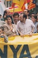 Aquella primera ERC independentista Pilar Rahola i Àngel Colom, manifestant-se en una Diada nacional de Catalunya.