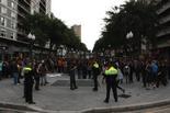 Manifestació d'estudiants a Tarragona Efectius policials vigilant la concentració d'estudiants a la Rambla Nova.