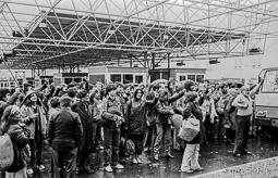 Ocupació de la duana del Portús contra l'extradició de Viusà, 1979 Cant dels Segadors.