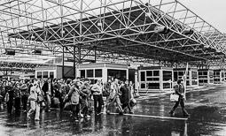 Ocupació de la duana del Portús contra l'extradició de Viusà, 1979 Els expedicionaris passen en bloc a la duana espanyola.