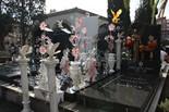 Diada de Tots Sants Vistós panteó d'una família d'ètnia gitana, aquest Tots Sants al cementiri de Sant Andreu.