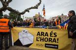 Independentistes i unionistes a les portes del Parlament