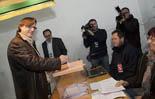 13D a Osona L'Alcalde de Vic, Josep Maria Vila d'Abadal ha votat a La Guixa. Foto: Adrià Costa