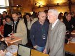 13D a Osona Joan Freixanet al moment de votar al Temple Romà de Vic. Foto: M.M.