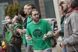 Protesta de la PAH a l'oficina del Santander de Vic
