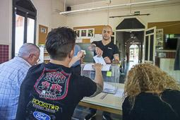 Municipals 2015: jornada electoral a Osona Roda de Ter. Foto: Josep M. Montaner