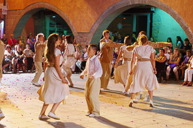 Festa Major de Torelló 2016: Dansa de Torelló i Dansa dels Verds