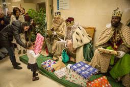 Els Reis d'Orient visiten l'Hospital Universitari i Complex El Nadal de Vic