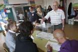 Municipals 2011: jornada electoral a Osona Jornada electoral al col·legi Puig-Agut de Manlleu. Foto: Adrià Costa