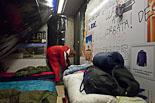 Acampada de la PAH a l'oficina de Banesto a Vic