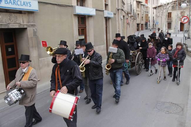 Carnaval de Centelles 2012: enterrament de la sardina