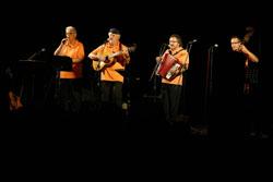 Festa major Tona: Desfilada de gegants i capgrossos i concert d'havaneres