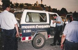 L'incendi de Sant Feliu Sasserra des del parc de bombers de Prats  Mossos subministrant menjar i beure al Parc.