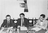 Josep Anglada, una vida accidentada, en imatges 03/07/1990. Conferència del Frente Nacional a Vic, amb Esteban Gómez Rovira (al centre) Foto: Guillem Soldevila.