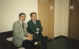 Josep Anglada, una vida accidentada, en imatges 1990. Amb el seu advocat Esteban Gómez Rovira, al jutjat de Vic, per per les denúncies creuades amb Albert Sans. Foto: Arxiu La Marxa.
