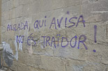 Josep Anglada, una vida accidentada, en imatges 08/04/2008. Pintada contra Anglada al centre de Vic. Foto: Adrià Costa.