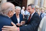 Josep Anglada, una vida accidentada, en imatges 01/07/2009. Anglada saluda a Jordi Pujol i Marta Ferrussola a la catedral de Vic, al funeral del bisbe Josep Maria Guix. Foto: Adrià Costa.