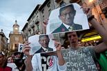 Josep Anglada, una vida accidentada, en imatges 03/06/2011. Manifestació contra Josep Anglada a Vic. Foto: Adrià Costa.
