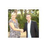 Josep Anglada, una vida accidentada, en imatges 29/09/2012. Marine Le Pen i Josep Anglada al congrés de l'Aliança Europea per la Llibertat, a Xipre. Foto: PxC.