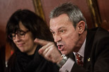 Josep Anglada, una vida accidentada, en imatges 02/12/2013. Al ple de Vic, adreçant-se als regidors de la CUP. Foto: Adrià Costa.
