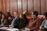 Josep Anglada, una vida accidentada, en imatges 03/03/2014. Al ple de Vic es mostra per primera vegada la divisió de PxC. Anglada i Riera voten al marge dels altres tres regidors. Foto: Adrià Costa.