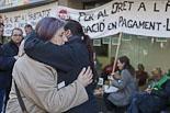 Els activistes de la PAH abandonen l'oficina de Banesto de Vic