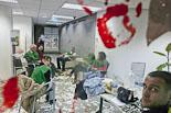 La PAH ocupa l'oficina de Banesto a Vic