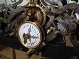 Procés de restauració d'una antiga màquina del rellotge de Vic Detall de la maquinària un cop acabada la restauració.