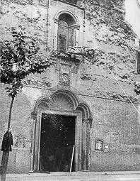Revolució, guerra i franquisme a Vic Destrucció de la imatge de la Mare de Déu del Roser,  a la parròquia de Sant Domènec, a la rambla de l'Hospital.