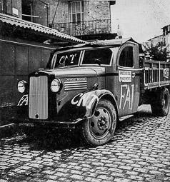 Revolució, guerra i franquisme a Vic Camió incautat i retolat per la Federació Anarquista Ibèrica (FAI), a Vic.