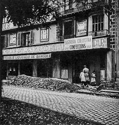 Revolució, guerra i franquisme a Vic Empresa tèxtil Bancell, de la rambla del Carme, col·lectivitzada pels seus treballadors.