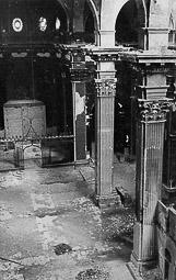 Revolució, guerra i franquisme a Vic L'interior de la catedral, desenrunat.