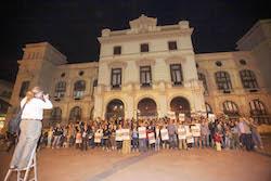 Municipals 2015: Inici de la campanya electoral a Sabadell Els membres de la Crida es col·loquen per una foto.