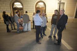 Municipals 2015: Inici de la campanya electoral a Sabadell El cap de llista de Ciutadans, Joan García, parla amb membres de la candidatura.