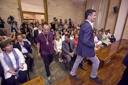 Ple de constitució de l'Ajuntament de Sabadell Joan Berlanga entra al Ple.