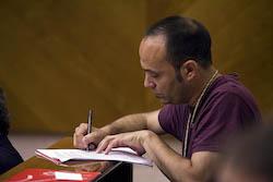 Ple de constitució de l'Ajuntament de Sabadell Joan Berlanga prenent nota.