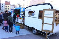 Van Van Mercat Gastronomada a Sabadell Una de les parades de menjar del Van Van. Norma Vidal.