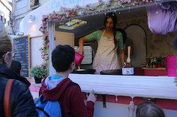 Van Van Mercat Gastronomada a Sabadell Una de les parades de menjar dolç del Van Van. Norma Vidal.