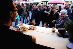 Van Van Mercat Gastronomada a Sabadell Una de les parades de menjar del Van Van. Albert Segura.