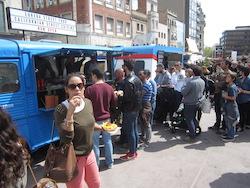 Van Van Mercat Gastronomada a Sabadell Cues en una de les parades de la mostra. Norma Vidal.