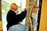 El cinema Alhambra de la Garriga Miró s'encarrega de la programació, de preparar la cartellera i de penjar els cartells a la plaça.
